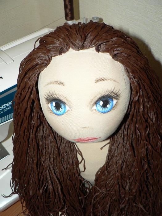 Как сделать для кукле прическу и платье