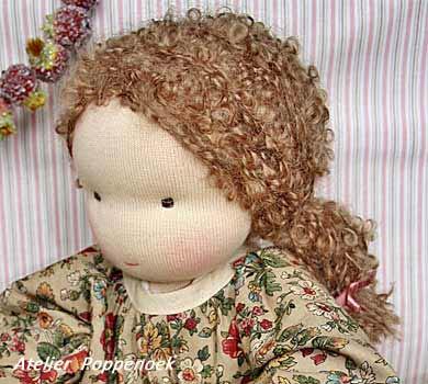 вальдорфская кукла, волосы из пряжи-букле